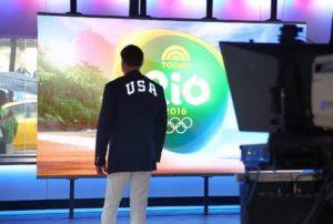 5691a835e0 A jaqueta iluminada de Polo Ralph Lauren para os EUA nas Olimpíadas do Rio  2016