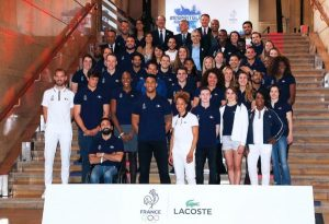Apresentação uniforme da França assinado por Lacoste