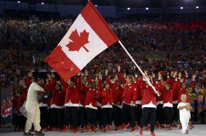 Delegação canadense no desfile de Abertura dos Jogos Olímpicos 2016