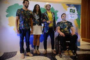 Os uniformes foram apresentados pelo Embaixador do CPB, Flávio Canto, ao lado dos atletas paraolímpicos André Brasil (natação), Silvânia Costa (atletismo) e Jovane Guissone (esgr
