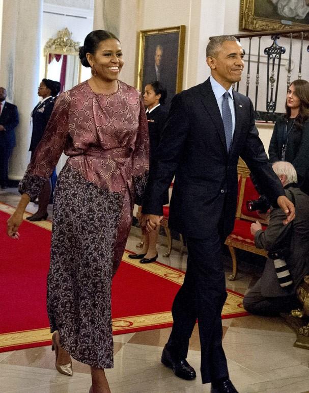 Em 2016, Michelle Obama usa Dries Van Noten (Foto: Getty Images)